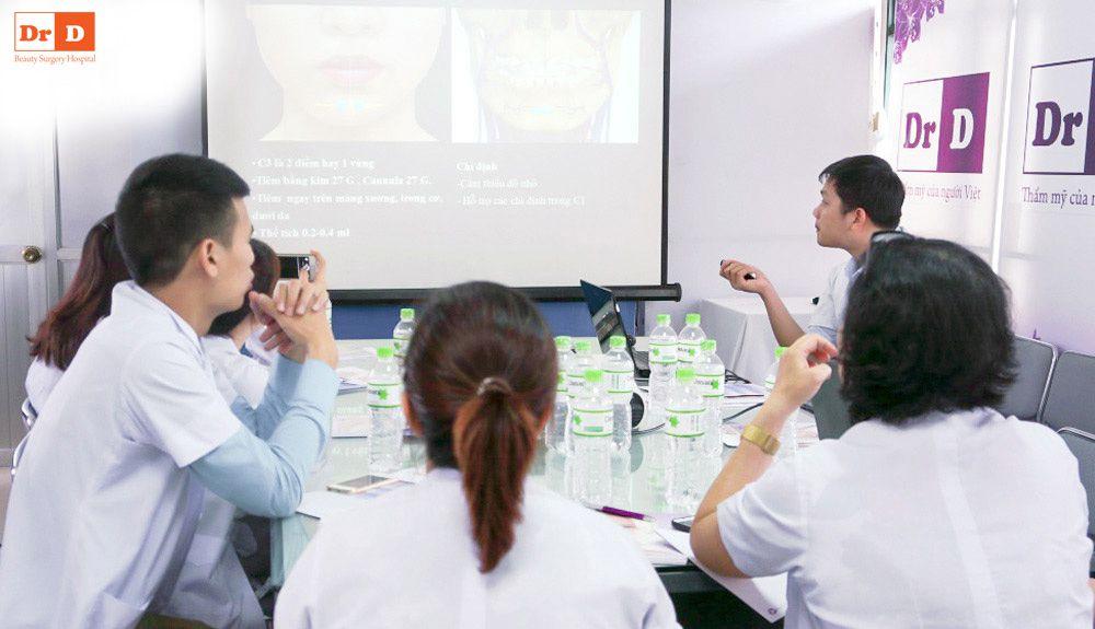 bac-si-le-huu-dien-chu-tri-chuong-trinh-dao-tao-tiem-chat-lam-day Bác sĩ Lê Hữu Điền chủ trì chương trình đào tạo tiêm chất làm đầy
