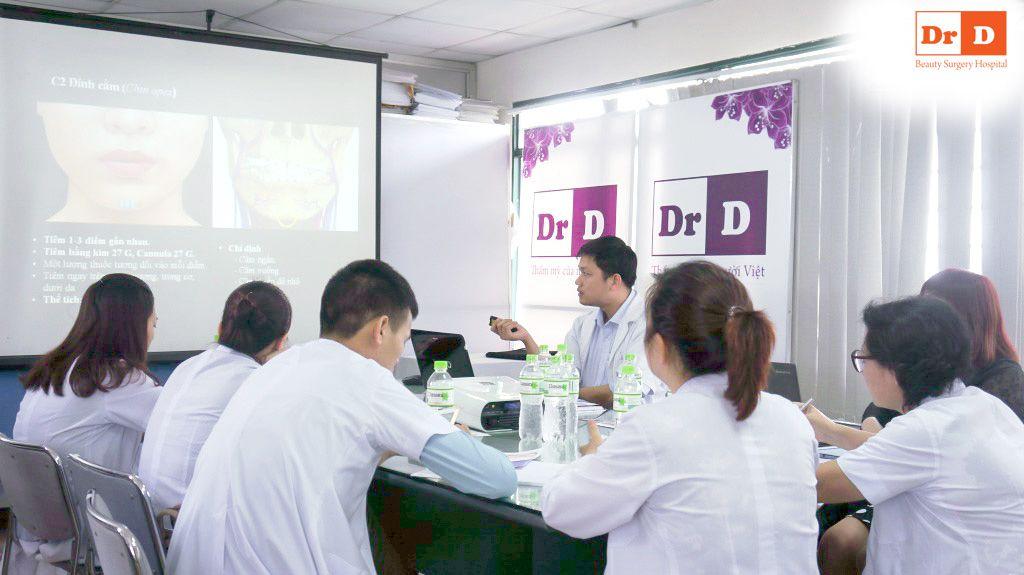 bac-si-le-huu-dien-chu-tri-chuong-trinh-dao-tao-tiem-chat-lam-day-2 Bác sĩ Lê Hữu Điền chủ trì chương trình đào tạo tiêm chất làm đầy