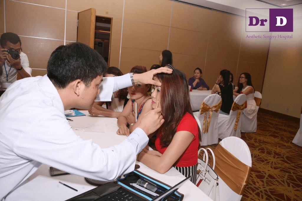 cach-xoa-nep-nhan-duoi-mat-cho-phu-nu-trung-nien Cách xóa nếp nhăn đuôi mắt cho phụ nữ trung niên