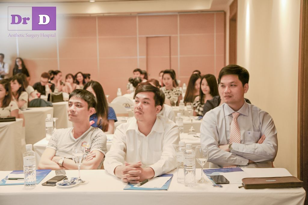 """hoi-thao-ton-vinh-ve-dep-viet-su-kien-nong-cua-nganh-tham-my-tuan-qua-4 Hội thảo """"Tôn vinh vẻ đẹp Việt"""" – Sự kiện nóng của ngành thẩm mỹ tuần qua"""