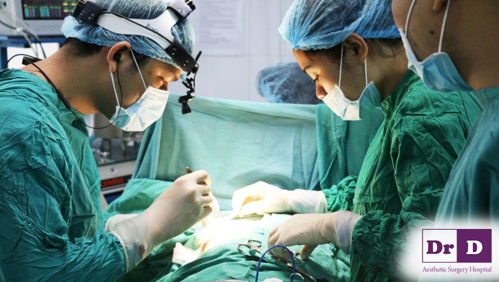 Phẫu thuật nâng ngực trước Tết có nên không?