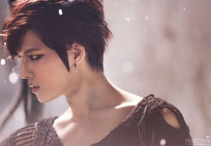 """Mũi Sline hoàn hảo trong ảnh chụp nghiêng của nam thần Hàn Quốc Mũi Sline nổi bật trên khuôn mặt """"không góc chết"""" của các nam thần Hàn Quốc"""