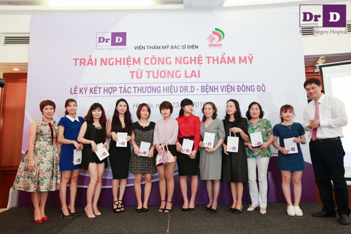 thuong-hieu-dr-d-va-benh-vien-dong-chinh-thuc-ky-hop-dong-hop-tac (11) Thương hiệu Dr.D và Bệnh viện Đông Đô chính thức ký hợp đồng hợp tác
