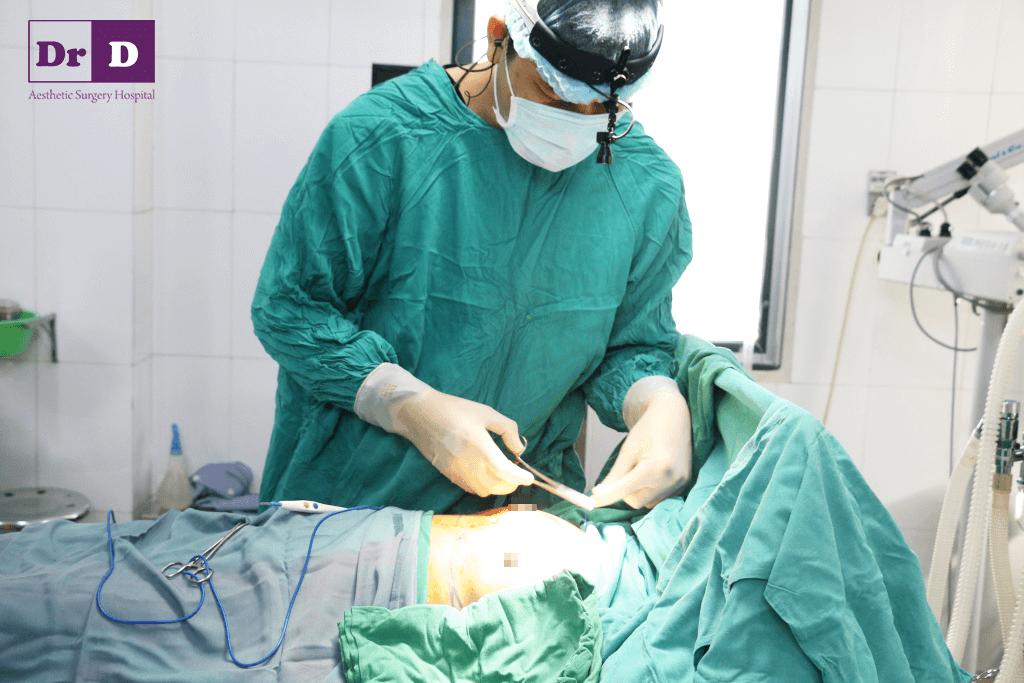 IMG_2570 Nâng ngực nội soi cải thiện kích thước vòng một hiệu quả