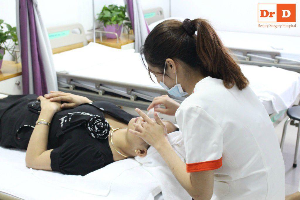 trai-nghiem-cham-soc-da-mien-phi-tai-khoa-da-lieu-tham-dr-d (6) Trải nghiệm chăm sóc da miễn phí tại Khoa da liễu thẩm mỹ Dr.D