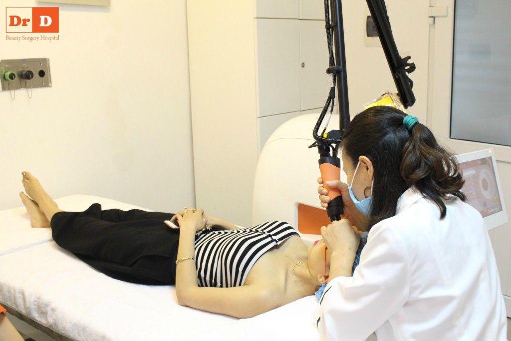 trai-nghiem-cham-soc-da-mien-phi-tai-khoa-da-lieu-tham-dr-d (9) Trải nghiệm chăm sóc da miễn phí tại Khoa da liễu thẩm mỹ Dr.D