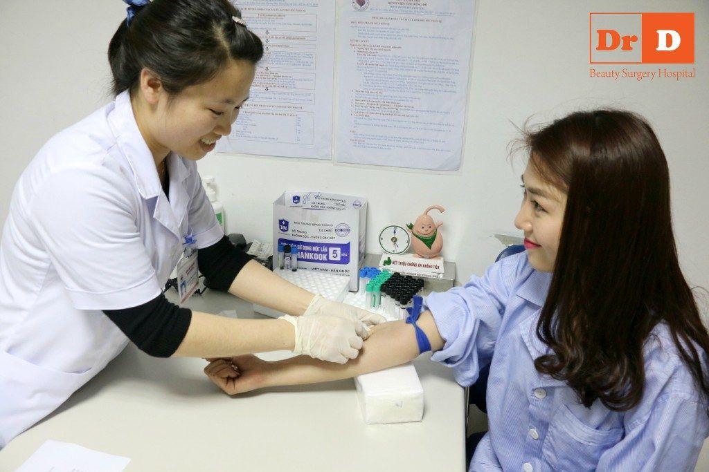 Kiểm tra sức khỏe là một trong những bước bắt buộc trước khi phẫu thuật tại DrD. Vì sao phải thực hiện Phẫu thuật thẩm mỹ tại Bệnh viện?
