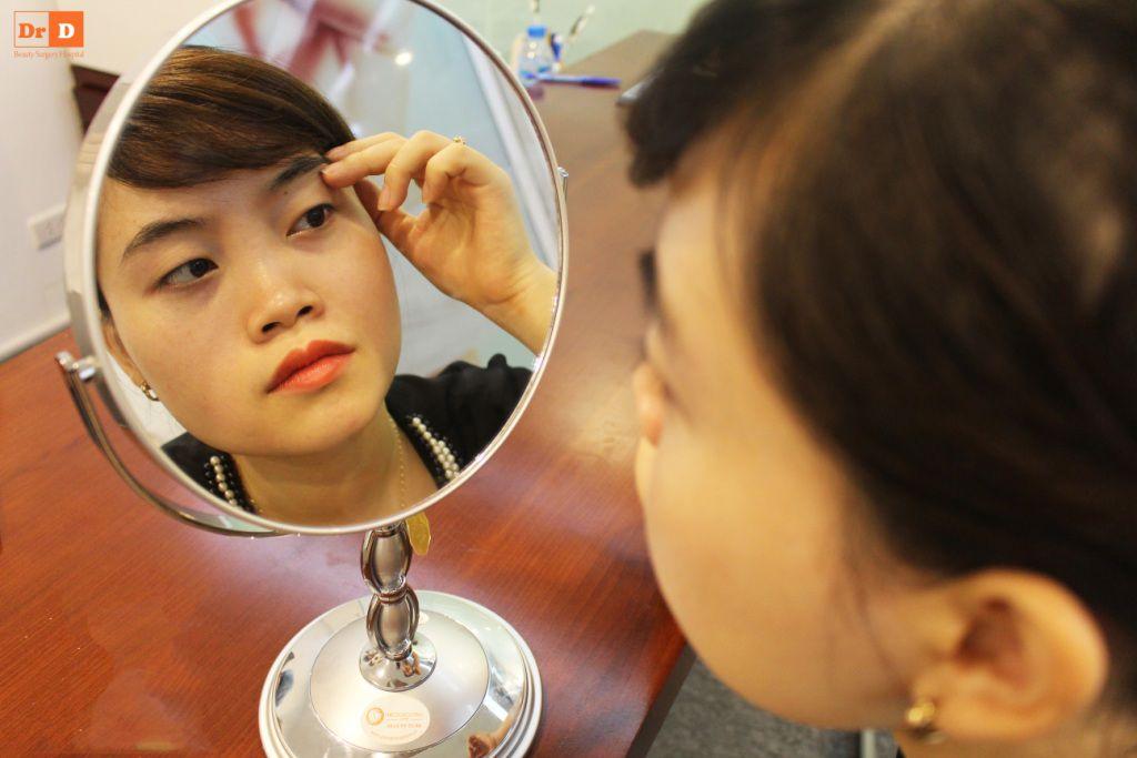 bac-si-dien-huong-dan-cach-tao-nep-mi-tai-nha Bác sĩ Điền hướng dẫn cách tạo nếp mí tại nhà sau 2 phút