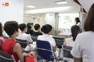 hoc-4 Đại diện thương hiệu mỹ phẩm Avene tại Việt Nam tới đào tạo cho nhân viên của DrD