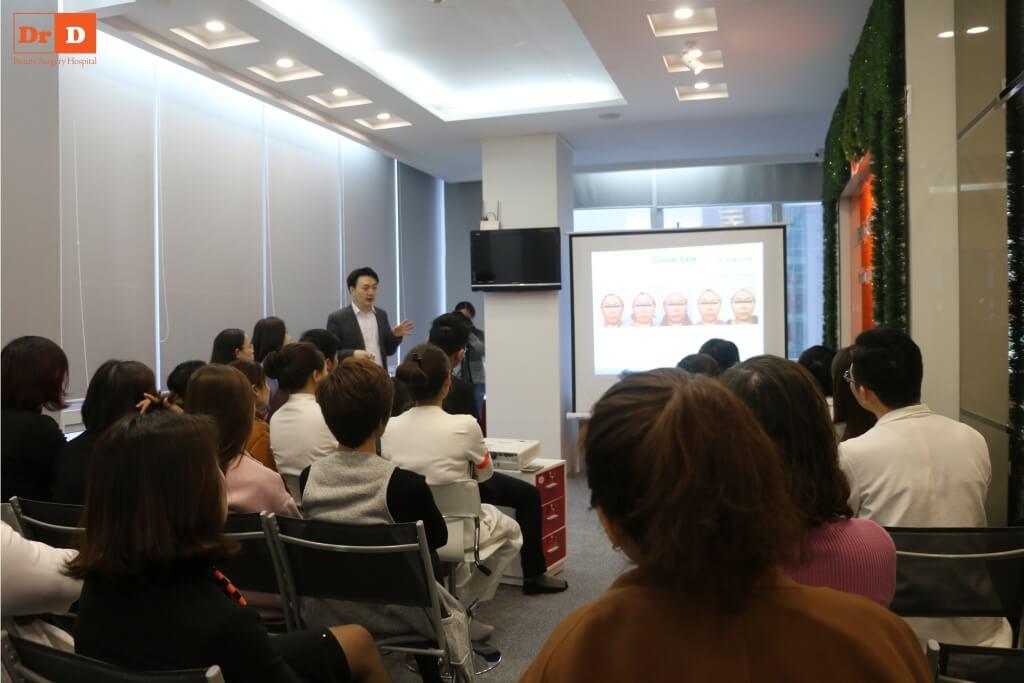 anh-hoc-1 Chuyên gia nước ngoài đào tạo công nghệ: Nâng cơ và Giảm béo cho nhân viên DrD