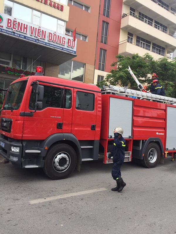 Chua-chay-1 Diễn tập phương án chữa cháy, cứu nạn cứu hộ tại Thẩm mỹ DrD – Bệnh viện Đông Đô