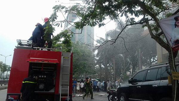 chua-chay-4 Diễn tập phương án chữa cháy, cứu nạn cứu hộ tại Thẩm mỹ DrD – Bệnh viện Đông Đô