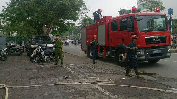 chua-chay-6 Diễn tập phương án chữa cháy, cứu nạn cứu hộ tại Thẩm mỹ DrD – Bệnh viện Đông Đô