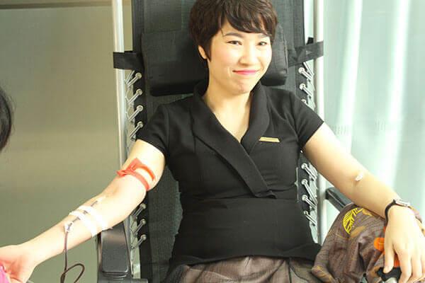 hien-mau-5 Hàng chục cán bộ nhân viên Thẩm mỹ DrD hiến máu tình nguyện