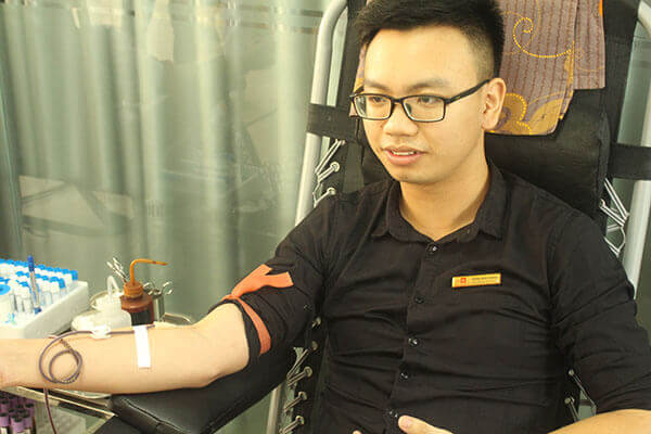 hien-mau-6 Hàng chục cán bộ nhân viên Thẩm mỹ DrD hiến máu tình nguyện
