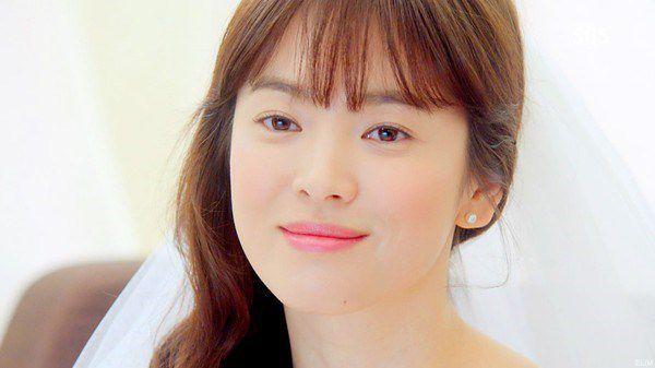 bac-si-dien-cat-mi-tai-dong-dep-nhu-song-hye-kyo