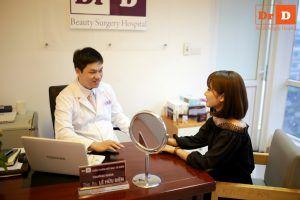 Bác sĩ Điền tư vấn cho bệnh nhân