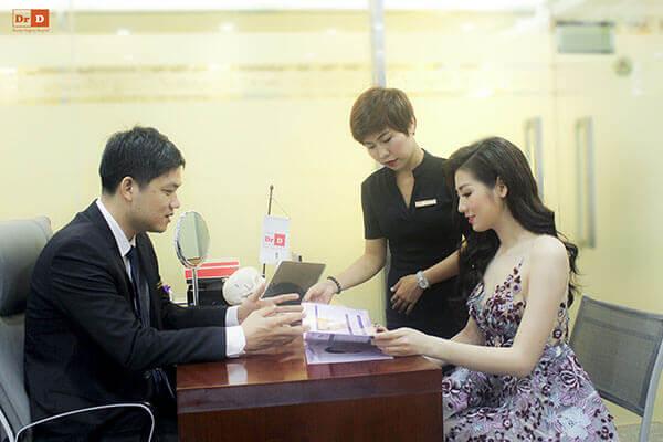 ThS.BS Lê Hữu Điền trực tiếp tư vấn, thăm khám và thực hiện dịch vụ