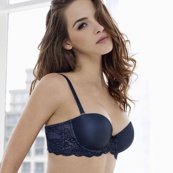 Khi chọn áo ngực bạn cần chọn áo đúng size, vừa với ngực của mình