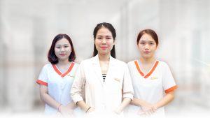 Bác sĩ Thân Thị Thùy Linh cùng đội ngũ y tá khoa da CNC cơ sở I